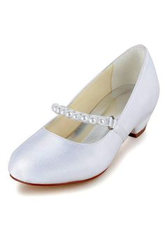 Lovely Satin Upper Closed Toe Flat Heels Bridal Shoes With Pearls
