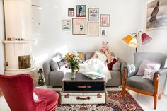 Love the vintage suitcases for a coffee table