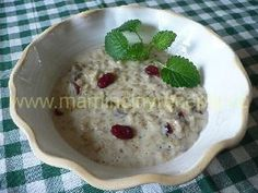 Ovesná kaše s brusinkami Smoothies, Oatmeal, Breakfast, Smoothie, The Oatmeal, Morning Coffee, Rolled Oats, Smoothie Packs, Overnight Oatmeal