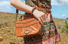 Oops, looks like the page is lost. Bota Country, Boho Trends, Walk On, Shoulder Bag, Blog, Accessories, Fashion, Ethnic Print, Vestidos