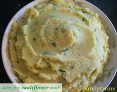 Cauliflower mashed potatoes ... with ground cashews ( + recipe for fruit pulp bread )