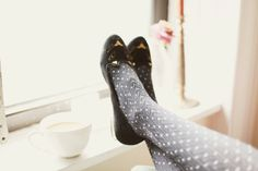 Flashes of Style: polka dots tights & cat shoes