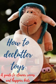 Declutter toys | How to declutter toys | Toy rotation | Toy organization | Managing toy clutter Learning how to declutter toys has really changed our life, so it is totally worth the effort!