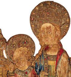 e Vierge à l'Enfant brodée dans la première moitié du XVe siècle en Espagne. Les détails de cette broderie, imitant pierres précieuses, effets de soieries et précisant délicatement les traits du visage, sont d'un raffinement extrême.
