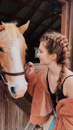 via ellie's ig story🌻 Cute Horses, Pretty Horses, Horse Love, Beautiful Horses, Horse Girl Photography, Equine Photography, Photography Poses, Horse Photos, Horse Pictures
