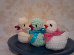 Ravelry: crochet chick egg cover pattern by Alison Murray 66 Crochet Egg Cozy, Crochet Coffee Cozy, Knit Crochet, Ravelry Crochet, Easter Crochet Patterns, Knitting Patterns, Knitting Yarn, Free Knitting, Creme Egg