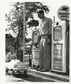 Original vintage old photos reproduced into contemporary prints. All photographs are chemically processed in photo labs and in great condition. Boy Rides Pedal Car To Gas Station - BW Photo Reprint Boy Rides Pedal Car To Gas Station - BW Photo Reprint Drive In, Old Gas Pumps, Vintage Gas Pumps, Old Photos, Vintage Photos, Antique Photos, Station Essence, Pompe A Essence, Old Gas Stations