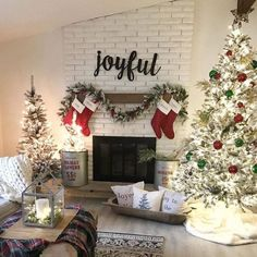 Can't you just imagine sitting by the cozy fire and watching Christmas movies all day i. 🎄❤️🎄 We're hosting… Diy Christmas Fireplace, Christmas Mantels, Rustic Christmas, Simple Christmas, Christmas Holidays, Christmas Colors, Christmas Stockings, Xmas, Christmas Ideas