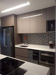 Kitchen Room Design, Luxury Kitchen Design, Kitchen Cabinet Design, Interior Design Kitchen, Kitchen Decor, Kitchen Cabinets, Brown Kitchens, Home Kitchens, Kitchen Showroom