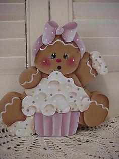 HP~~Gingerbread with CUPCAKE ~~ SHELF Sitter