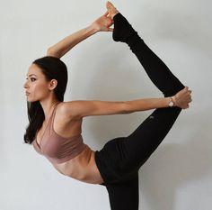 @summerperez in the #AloYoga Entice Bra #yoga #inspiration