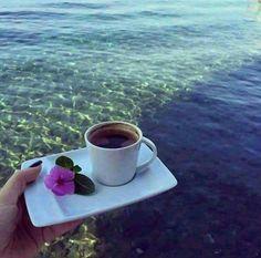 in riva al mare Coffee Vs Tea, Coffee Is Life, Coffee And Books, Coffee Cozy, I Love Coffee, Coffee Break, Best Coffee, Coffee Time, Coffee Drinks