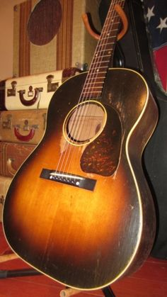 Vintage original Gibson sounds and plays absolutely amazing. Gibson Acoustic, Gibson Guitars, Acoustic Guitars, Vintage Guitars, Cool Guitar, Porsche, Instruments, Objects, Retro
