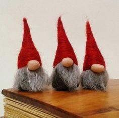 Needle Felted Miniature Gnomes Tomte Nisse Swedish by FeltbyLisa Christmas Gnome, Handmade Christmas, Christmas Crafts, Christmas Decorations, Scandinavian Gnomes, Scandinavian Christmas, Beginner Felting, Norwegian Christmas, Felt Fairy