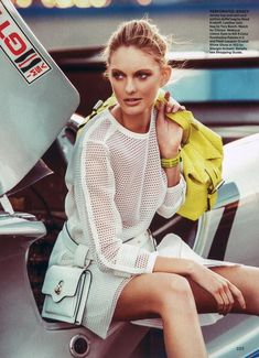 Sophisticated Seaside Fashion : Signe by Fabrizio Lipari