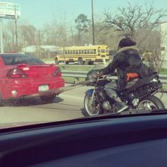And the Darwin Award goes to...  Notice lack of helmet