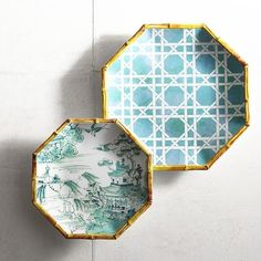 Go retro with our classic '60s-style Lattice Dinnerware. The melamine dinner plate is bright turquoise-on-white while the salad plate depicts a traditional Chinese scene.