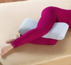 The Hip And Knee Oversized Comfort Pillow - Hammacher Schlemmer. Ugh I sleep with a regular pillow like this every night. Knee Pillow, Psoas Muscle, Hammacher Schlemmer, Tight Hips, Best Mattress, Cool Technology, Cool Inventions, Pain Management, Knee Pain