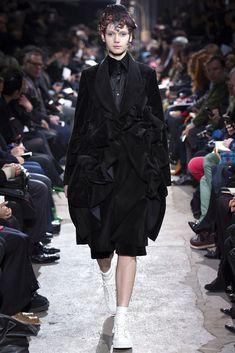 Comme des Garçons Fall 2013 Ready-to-Wear Fashion Show