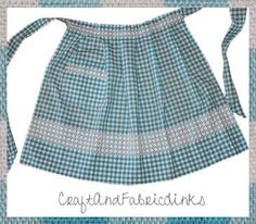 Create pleats for embroidered apron. Page 3 of free tutorial. Pleated apron with pocket free sewing pattern. Half Apron Patterns, Apron Pattern Free, Sewing Patterns Free, Free Sewing, Dress Patterns, Pattern Skirt, Sewing Aprons, Sewing Clothes, Embroidered Apron
