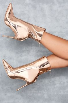 Charming Women Sexy Pointed Toe Patent Leather Stiletto Heel Short Boots Gold Silver Back Zipper-up High Heel Ankle Booties Fancy Shoes, Pretty Shoes, Beautiful Shoes, Cute Shoes, Me Too Shoes, Stilettos, Pumps Heels, Stiletto Heels, Shoes High Heels