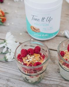 psstt....you need these Peanut Butter Overnight Oats in your life ~ 🧡 1 scoop Peanut Butter Tone It Up Protein 2/3 cup GF rolled oats 1 Tbsp. peanut butter 2 Tbsp. chia seeds 2 tsp. maple syrup 1 cup unsweetened almond milk 1/4 tsp. cinnamon HOMEMADE JAM 1/2 cup frozen raspberries 1/2 Tbsp. chia seeds 1 tsp. lemon juice 2 tsp. maple syrup or honey Mix all overnight oat ingredients together in a bowl & let sit in the fridge overnight. To make the jam, heat pan over medium heat. Add ras.. Tone It Up Protein, Peanut Butter Overnight Oats, Juice 2, Unsweetened Almond Milk, Rolled Oats, Chia Seeds, Maple Syrup, Raspberry, Let It Be