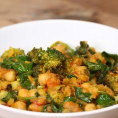 Dieses schnelle Kichererbsen-Curry mit Brokkoli ist super für faule Köche