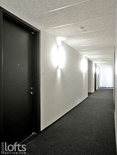 i like the dark floor, base and doors w light walls. light grey/silver walls would be better
