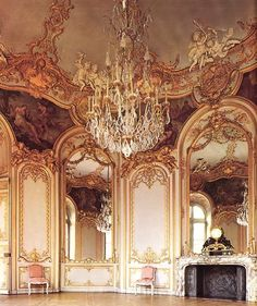 Exquisite ballroom...perhaps over the top? ;)#Repin By:Pinterest++ for iPad#
