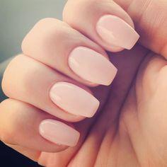 Short coffin shaped gel nails color is OPI Bubble Bath #NailShapes