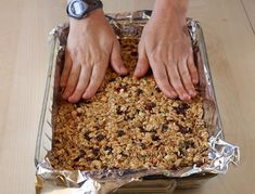 How to Make Homemade Granola Bars Waffle Recipes, Veggie Recipes, Gourmet Recipes, Sweet Recipes, Cooking Recipes, Cereal Recipes, Healthy Cooking, Healthy Snacks, Healthy Recipes