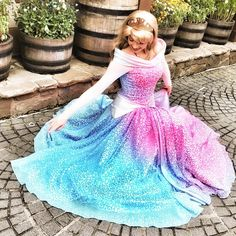 Disney Cosplay I would wear this dress everyday I have always been in love with Sleeping Beauty especially the end scene when the fairies can't stop changing her dress. Disney Pixar, Deco Disney, Disney And Dreamworks, Disney Parks, Walt Disney, Disney Bounding, Disney Dream, Disney Love, Disney Magic