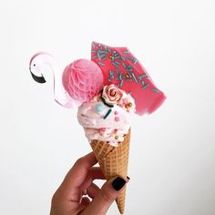 Still thinking about that champagne ice-cream I developed with from the weekend. It was non alcoholic by the way. The best waffle cones from And for those asking about the flamingoes, I got them from and cut the straw off. Runway Models, Feast Of Love, Nectar And Stone, Magazin Covers, Ice Cream Pops, Victoria Sponge, Waffle Cones, Ice Ice Baby, Flamingo Party