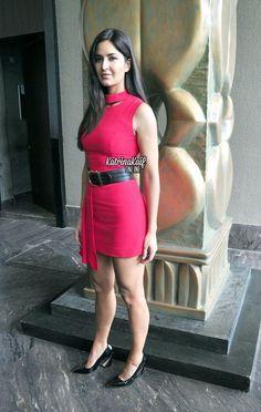 Katrina Kaif Hot Pics, Katrina Kaif Photo, Most Beautiful Bollywood Actress, Yoga Dress, Bollywood Theme, Girl Fashion, Fashion Dresses, Gym Clothes Women, Indian Actresses