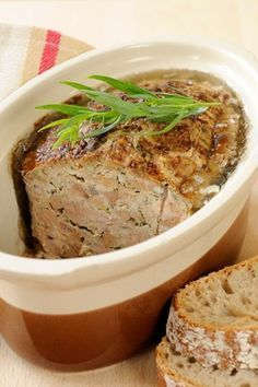 Terrine de foies volailles au porto - Recettes - Expolore the best and the special ideas about French recipes Baked Chicken Recipes, Meat Recipes, Wine Recipes, Cooking Recipes, Healthy Recipes, Charcuterie, Chicken Liver Terrine, Foie Gras, Vegetable Drinks
