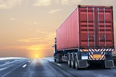 Tips on how to get cheap truck insurance Cheapest Insurance, Best Insurance, Cheap Trucks, Trailers, Light Bulb Drawing, Highway Road, Vintage Pickup Trucks, Freight Forwarder, Large Truck
