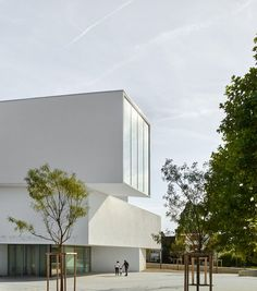 Theater in Freyming-Merlebach | Dominique Coulon & associés; Photo: Eugeni Pons | Archinect