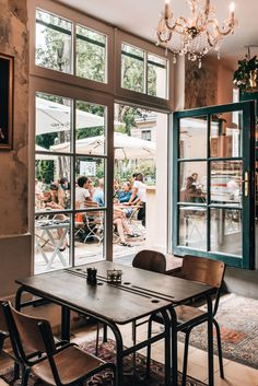 Breakfast & Brunch: Our favorite hipster cafes in Vienna - summer days - Breakfast & Brunch: Our favorite hipster cafes in Vienna – summer days - Hipster Cafe, Vienna Summer, Boiled Egg Maker, Restaurant, Cafe Design, Interior Design, Hipsters, Minimal Design, Coffee Shop