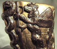 Representación de Enki, dios Anunnaki Sumerio Leer más: http://el-libertario.webnode.es/nuestros-antiguos-instructores/