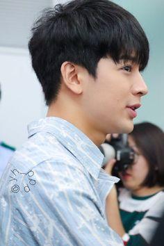 Ikon Songs, Ikon Wallpaper, Song Of The Year, Hanbin, Kpop, Me Me Me Song, Airport Style, Yg Entertainment, Korean Beauty