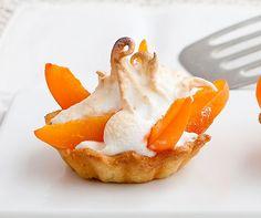 Meringuierte Aprikosentartelettes | Betty Bossi