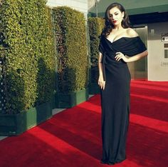 Charlie XCX looked stunning at the American Music Awards
