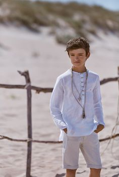 Hortensia Maeso I Moda de comunión I Colección 2019 Salon Party, Young Cute Boys, Boy Models, Communion Dresses, Kids Sports, Boys Shirts, Boy Fashion, Boy Outfits, Baby Boy