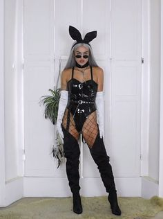 Sue as a blonde Bunny Halloween Costume, Best Friend Halloween Costumes, Halloween Outfits, Halloween Halloween, Sexy Cat Costume, Halloween Kitchen, Devil Costume, Group Halloween, Rave Outfits