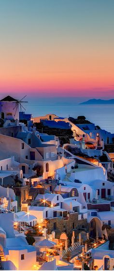 Wonder at the whitewashed villages that cling to volcanic cliffs on Santorini. This Greek island is breathtaking at sunset.