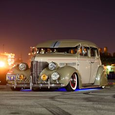 Los Angeles Cruise Night. 1939 Chevy Master Deluxe.