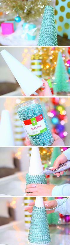 Garland Christmas Tree   20 DIY Christmas Bedroom Decor Ideas for Teen Girls