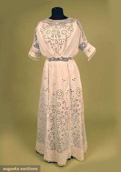 Augusta Auctions, May 2008 Vintage Fashion & Antique Textile Sale, Lot 681: Irish Lace  Tea Dress, C. 1912