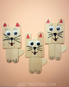 Make darling little popsicle stick cats for a craft! Supplies Needed: 4 popsicle sticks Googly eyes Markers Scissors Glue Directions: Cut all 4 popsicle sticks in half. Put 3 together then take the middle stick and cut the top off. Cut another piece to Popsicle Stick Crafts For Kids, Animal Crafts For Kids, Crafts For Teens To Make, Toddler Crafts, Craft Stick Crafts, Kids Crafts, Popsicle Recipes, Craft Ideas, Diy Ideas