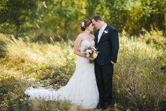 Bismarck, ND Wedding Photography - Bride & Groom, Fall, outdoors, flowers